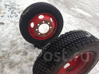 Зимние грузовые шины с дисками Bridgestone 235/70R22.5 LT. 6.5x22.5 ЦО 220,0мм.