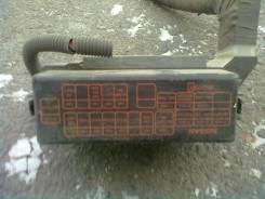 Блок предохранителей под капот. Nissan Sunny, FB15