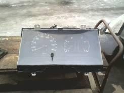 Панель приборов. Toyota Hiace, LH102V Двигатель 2L
