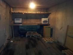 Сдам гараж. Тобольская 29, р-н Третья рабочая, 18,0кв.м., электричество. Вид изнутри