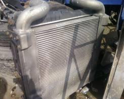 Радиатор охлаждения двигателя. Nissan Diesel, CV27 Двигатель MD92