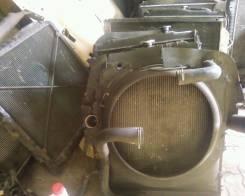 Радиатор охлаждения двигателя. Mitsubishi Fuso Двигатель 6D15TURBO