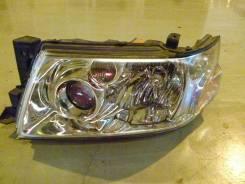 Фара. Nissan Bassara, JU30, JVU30, JTU30, JNU30, JTNU30, JHU30, JVNU30 Двигатели: KA24DE, VQ30DE, QR25DE, YD25DDT