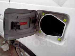 Лючок топливного бака. Toyota Mark II, JZX100 Двигатель 1JZGE