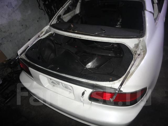 Петли крышки багажника с амортизаторами Toyota Curren. Toyota Curren, ST206