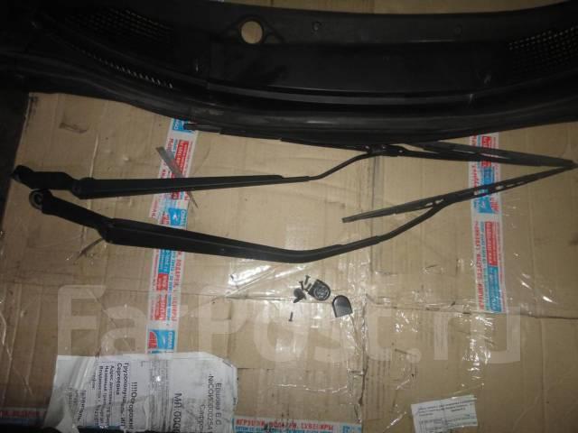 Решетка под дворники. Toyota Celica, ZZT231