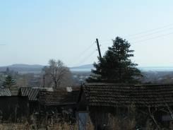 Продам нежилой дом и земельный участок в пгт Шкотово 20 соток. 2 059 кв.м., собственность, электричество, вода, от частного лица (собственник)