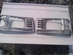 Ободок фары. Toyota Lite Ace, CM55, CM60, CM65 Двигатель 2C