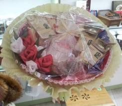 Оформление подарков в отделе Тибет в ТЦ «Апельсин»