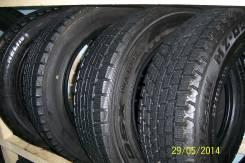 Bridgestone Blizzak Revo2. Всесезонные, 2011 год, износ: 5%, 2 шт