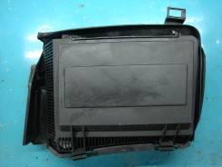 Корпус салонного фильтра. BMW 5-Series