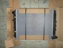 Радиатор охлаждения двигателя. Nissan Vanette