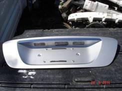 Вставка багажника. Mercedes-Benz S-Class, 220 Двигатель 137