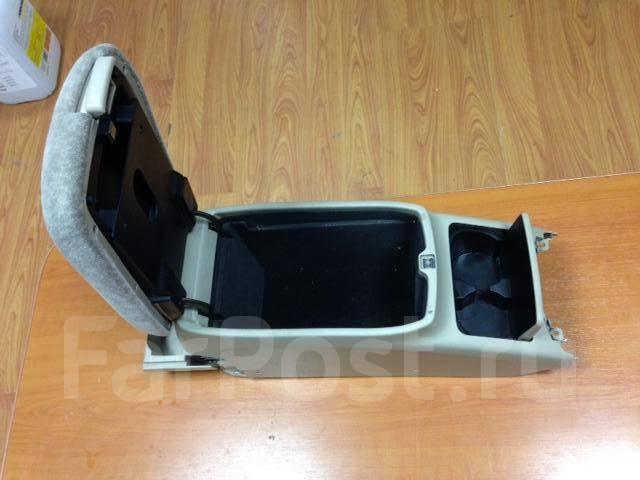 Бардачок. Toyota Mark II Wagon Blit, JZX110 Toyota Verossa, JZX110 Toyota Mark II, JZX110