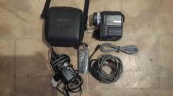 Sony DCR-PC330. Менее 4-х Мп, с объективом