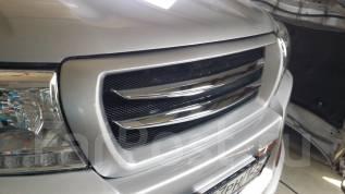 Решетка радиатора. Toyota Land Cruiser, GRJ200, J200, URJ200, URJ202, URJ202W, UZJ200, UZJ200W, VDJ200 Двигатели: 1GRFE, 1URFE, 1VDFTV, 2UZFE, 3URFE
