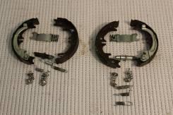Колодки тормозные ручного тормоза Toyota Camry ASV50 1AZ 2013. Toyota Camry, ASV50 Двигатели: 1AZFE, 1AZ