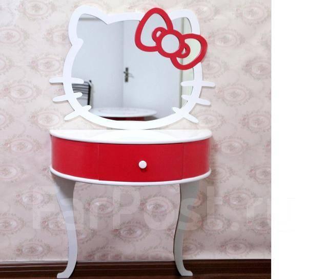 Туалетный стол с зеркалом в Детскую комнату. Под заказ
