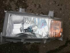 Фара. Toyota bB, NCP31 Двигатель 1NZFE