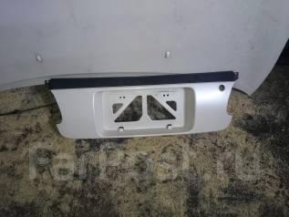 Вставка багажника. Toyota Curren