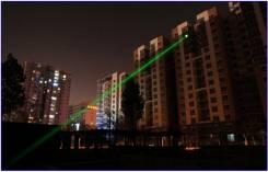 Лазер зелёный. Мощный и компактный. Жжет спички.