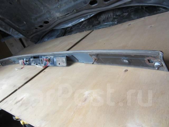Дверь багажника. Subaru Legacy Wagon, BF7 Двигатель EJ22