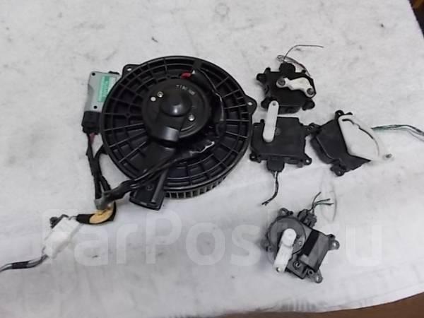 Вентилятор мотор моторчик печки на T. Aristo JZS161. Lexus LS430, UZS161, JZS160 Lexus GS300, JZS160, UZS161 Lexus RX300, MCU15 Lexus GS430, UZS161, J...