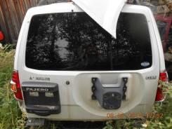 Дверь багажника. Mitsubishi Pajero, V75W