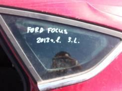 Стекло боковое. Ford Focus