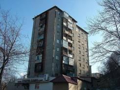 Собственник сдаёт помещение в районе Школьной. 11 кв.м., улица Героев Хасана 16, р-н Борисенко. Дом снаружи