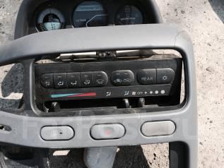 Блок управления климат-контролем. Mitsubishi Delica, PE8W Двигатель 4M40