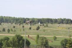 Большой участок под усадьбу. Земля в деревне с коммуникациями. 20 100 кв.м., собственность, электричество, вода, от частного лица (собственник)