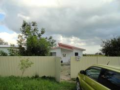 Новый дом с дизайнерским ремонтом в ст. Смоленская. Мира, р-н Северский, площадь дома 90кв.м., централизованный водопровод, электричество 15 кВт, от...