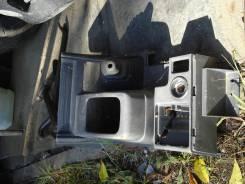 Консоль центральная. Mitsubishi Pajero, V45W Двигатель 6G74