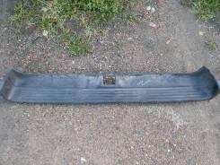 Накладка бампера заднего (пластмасс) Toyota SURF 185й кузов. Toyota Hilux Surf