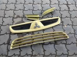 Решетка радиатора. Mitsubishi Colt