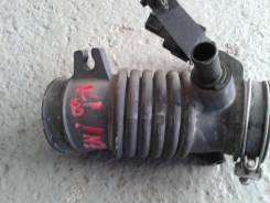 Патрубок воздухозаборника. Toyota Ractis, NCP100 Двигатели: 1NZFE, 1NZ