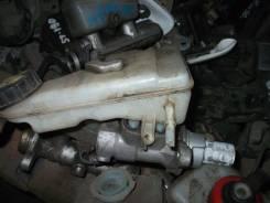 Цилиндр главный тормозной. Ford Focus