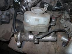 Цилиндр главный тормозной. Nissan Avenir, W11
