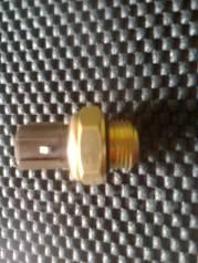 Датчик включения вентилятора. Honda Odyssey, RA6 Двигатели: F23A, F23A7, F23A8, F23A9