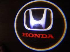 Беспроводная лазерная проекция логотипа в двери Honda