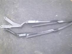 Держатель щетки стеклоочистителя. Mercedes-Benz E-Class, W212, W204W207W212