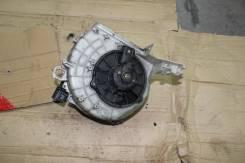 Мотор печки. Mitsubishi Eterna, E57A, E52A, E64A, E77A, E72A, E54A, E53A, E74A, E84A Mitsubishi Emeraude, E57A, E84A, E74A, E52A, E72A, E77A, E54A, E6...