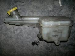 Бачок для тормозной жидкости. Nissan Elgrand, ATE50, ATWE50, ALWE50, ALE50 Двигатели: ZD30DDTI, VG33E