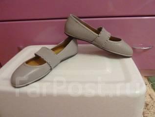 Женская обувь. 36