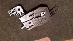 Активатор лючка топливной горловины Kia Ceed 2012 г, JD 5DR. Kia cee'd, JD Kia Cerato, JD5DR Двигатель G4FG