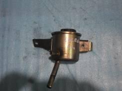 Бачок гидроусилителя руля. Nissan Vanette Largo, KUGNC22 Двигатель LD20T