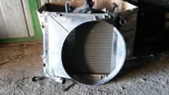 Радиатор охлаждения двигателя. Mitsubishi Canter, FD50AB Двигатель 4M40