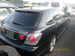 Задняя часть автомобиля. Toyota Altezza Toyota Altezza Wagon