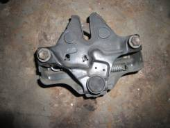 Замок капота. Toyota: Camry, Scepter, Crown, Aristo, Avalon, Windom, Crown Majesta, Celsior Двигатели: 3VZFE, 3SFE, 5SFE, 2JZGE, 1UZFE, 2JZFSE, 2JZGTE...